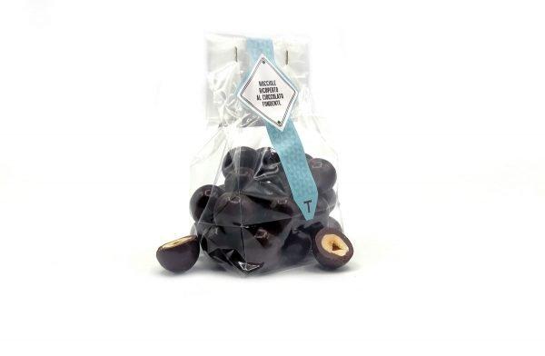 praline di nocciole di Giffoni ricoperte al cioccolato fondente monorigine ecuador 74% Terranova Dragèe
